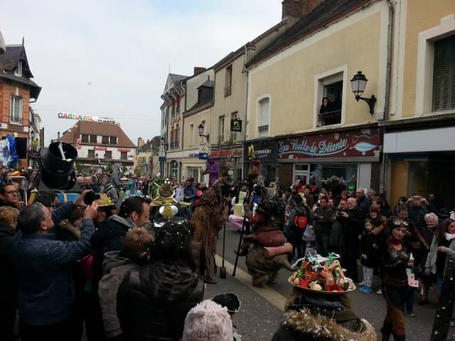 Cloyes sur le loir le carnaval en images radio intensit for Garage cassonnet cloyes sur le loir
