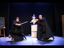 Embedded thumbnail for BLOIS (41) - Théâtre: Tout Shakespeare en 80 minutes ... et à deux !